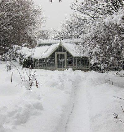 Alitex Gewächshaus im verschneiten Südtirol