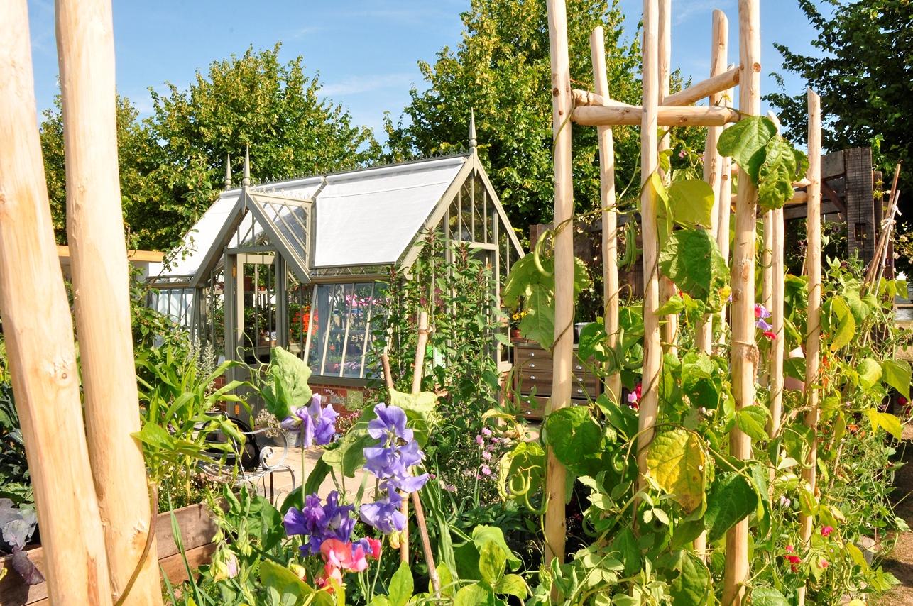Gewächshaus im Gemüsegarten auf der Hampton Flower Show 2015.