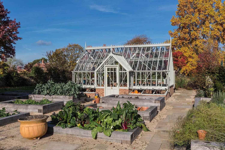 Es ist Erntezeit in Garten und Heyshott Gewächshaus.