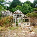 Was vom einstigen viktorianischen Anlehngewächshaus übrig blieb...