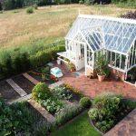 Das Gewächshaus in seiner ersten Gartensaison.
