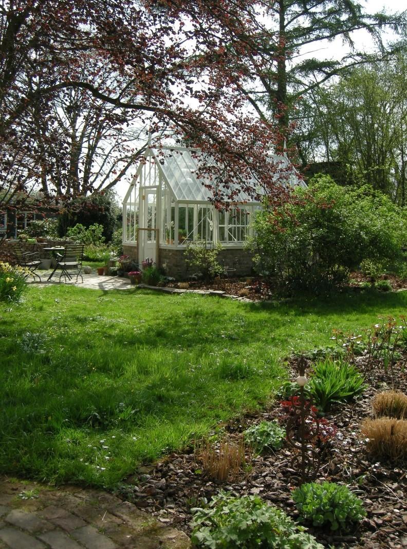 Frühling rund um's Scotney Greenhouse.
