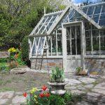 Südtiroler Frühling in Garten und Gewächshaus.