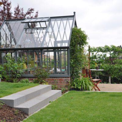 Warum ein Alitex Gewächshaus jedem Garten steht